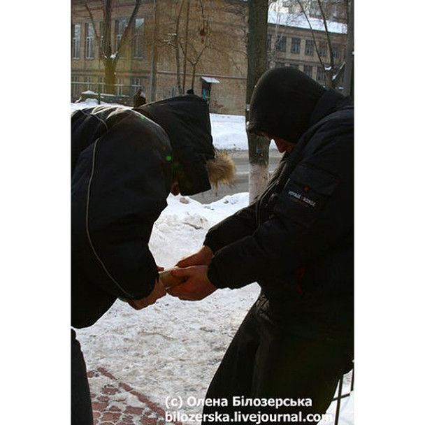 Напад на виборчу дільницю у Києві