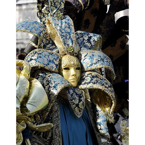Дивовижний карнавал масок у Венеції