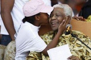 У ПАР госпіталізували Нельсона Манделу