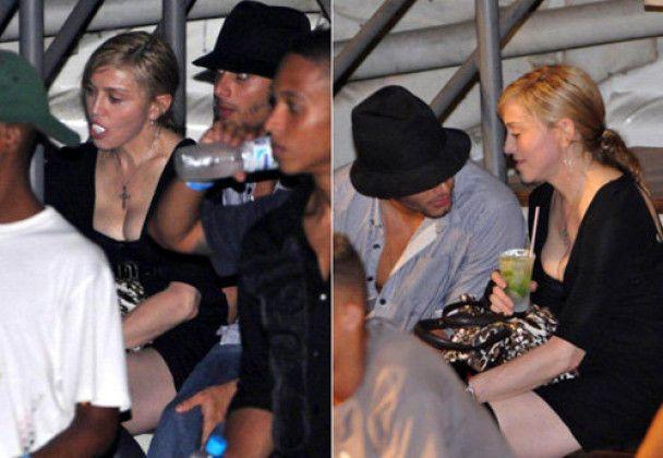 Коханець Мадонни влаштував стриптиз і вперше публічно її поцілував