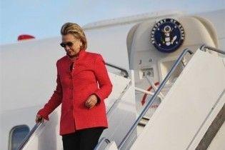 Клінтон прибула до Москви обговорити нові угоди