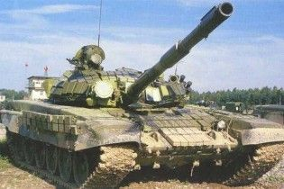 Міноборони Росії кинуло в лісі без охорони 200 танків Т-72