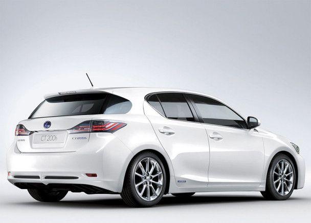 Lexus офіційно представив гібридний хетчбек