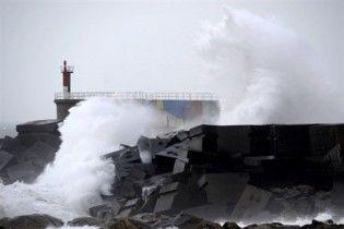 Потужний ураган атакував Францію та Іспанію, є перші жертви