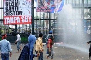 В Індонезії мітингувальники атакували парламент