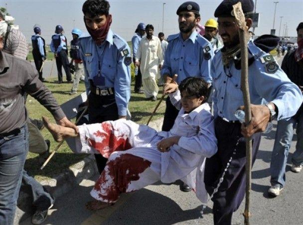 У столиці Пакистану почалися масові заворушення через підвищення цін на проїзд