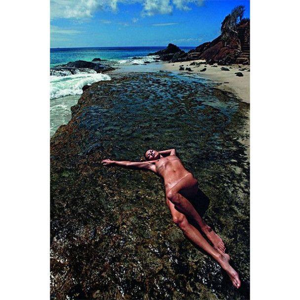 Оголена Кейт Мосс для Vogue Homme