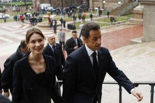 Карла Бруні-Саркозі назвала донечку Джулією
