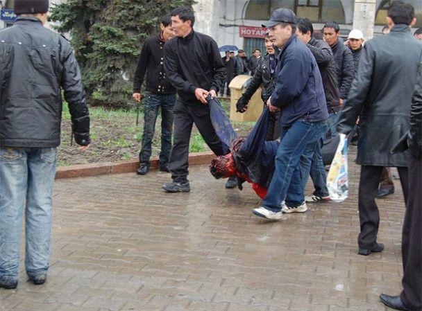 Киргизькі протестувальники захопили голову МВС