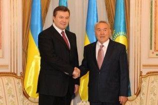У Казахстані Янукович послухав оркестр і усамітнився з Назарбаєвим