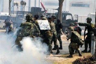 Зіткнення між армією та опозицією у Таїланді: понад 20 людей загинули