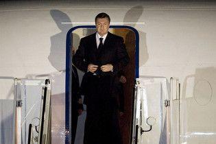Янукович полетів до Страсбурга
