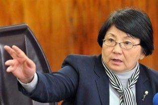 Отунбаєва відправила росіян охороняти стратегічні об'єкти у Киргизії