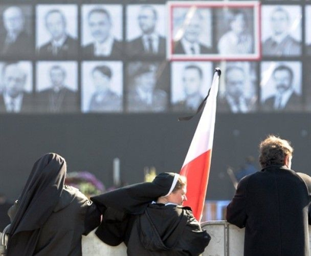 Польща прощається з загиблими в авіакатастрофі під Смоленськом