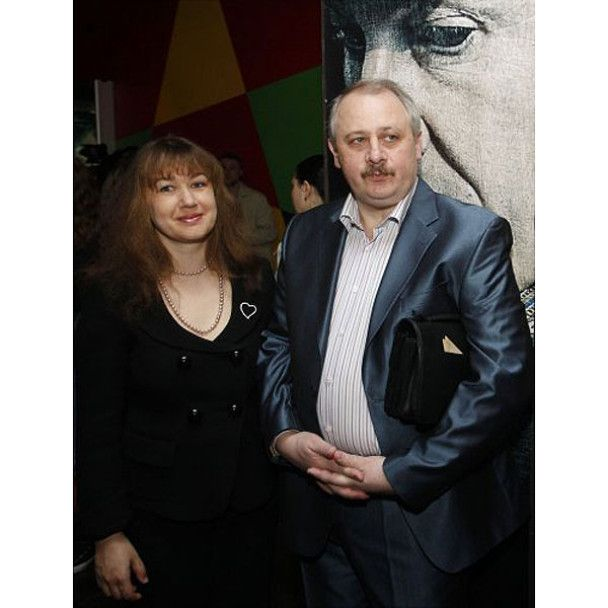 Азаров сходив з міністрами у кіно