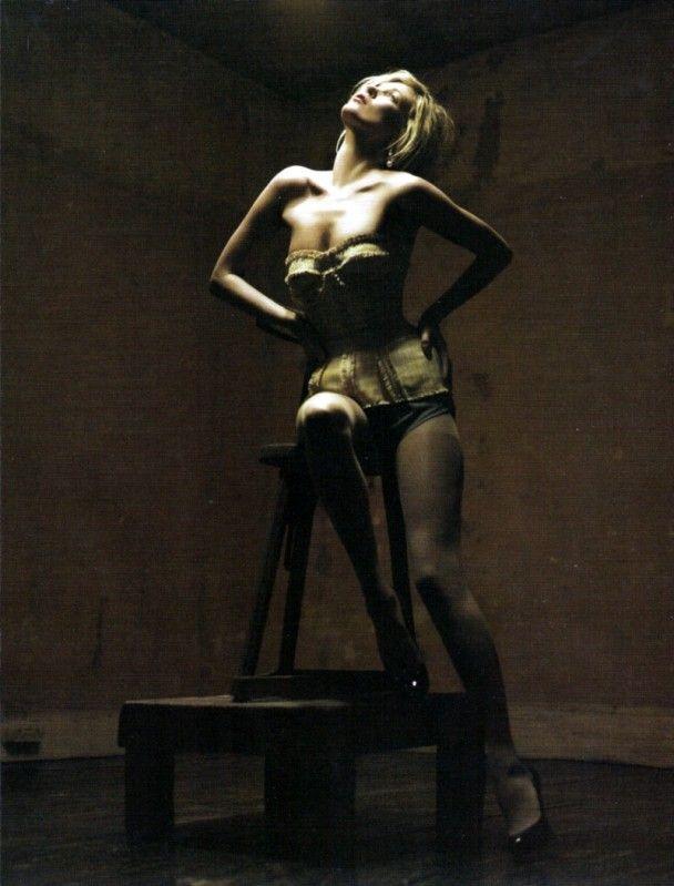 Кейт Мосс у елегантній фотосесії для Vogue