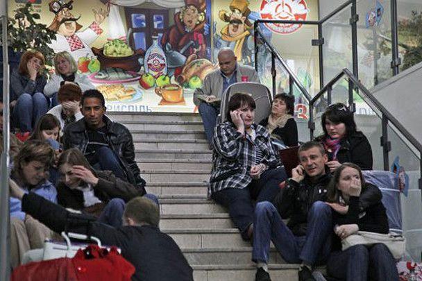 """У """"Борисполі"""" застрягли тисячі людей"""