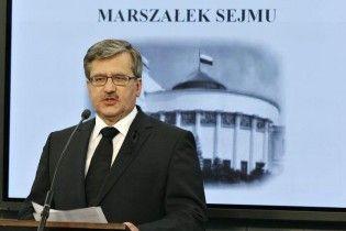 Коморовський лідирує на виборах президента Польщі