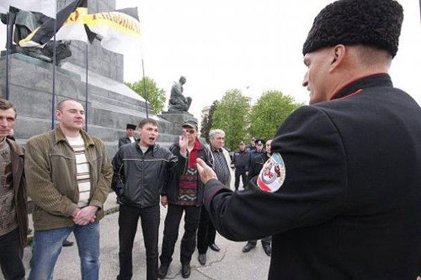 У Севастополі до пам'ятника Леніну поклали перегній