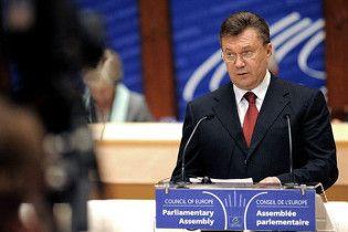 Янукович: більшість українців проти героїзації Бандери та Шухевича