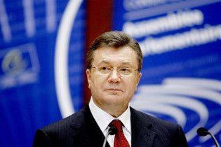 Янукович привітав журналістів із Днем свободи преси