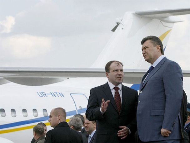 """Янукович відвідав """"свято літаків"""""""