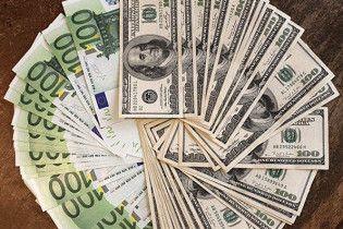 Міжбанк закрився здешевшенням євро