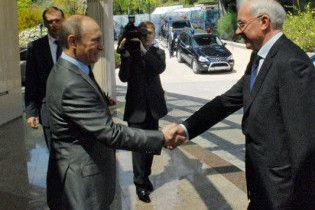 Азаров зателефонував Путіну, щоб поговорити про товарообіг