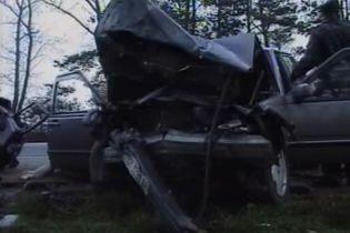 На Житомирщині у ДТП три людини загинули на місці (відео, оновлено)