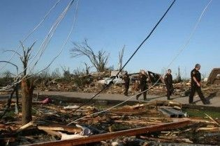 На півночі США усувають наслідки потужного торнадо