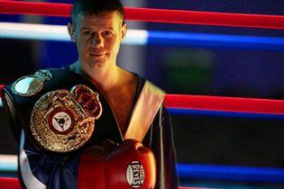 Вперше українець боксуватиме проти українця
