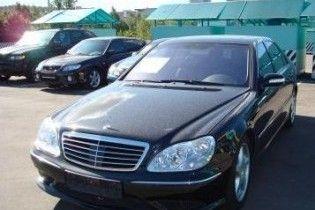 У Києві Mercedes збив двох людей. Водій втік