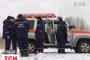 """Рятувальники витягнули з Десни """"Мерседес"""" з трьома трупами"""