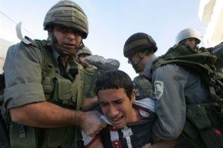 Ізраїльський спецназ викидав поселенців із спірного будинку (відео)