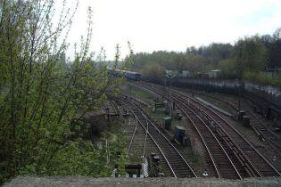 У Чернівецькій області потяг переїхав юнака, який заснув на рейках