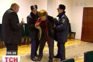 У Києві правоохоронці жорстоко побили літнього чоловіка