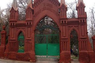 Вхід на київські кладовища став платним