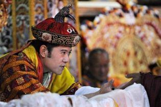 В Бутані коронували наймолодшого в світі короля (відео, оновлено)