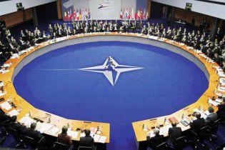 Румунські ЗМІ: НАТО прийме Україну, зробивши її столицею Львів
