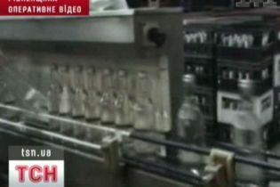На Рівненщині ліквідували підпільний горілчаний завод (відео)