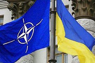 Закон про відмову України від НАТО набув чинності