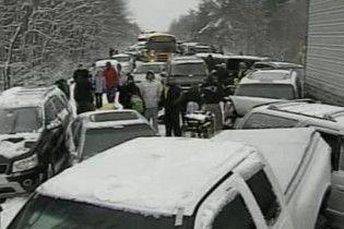 У Нью-Гемпширі зіткнулися 59 автомобілів
