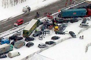 Під Петербургом зіткнулися 23 машини
