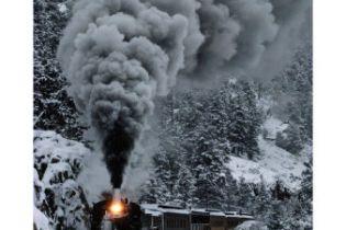 У Швейцарії сніг зупинив потяги