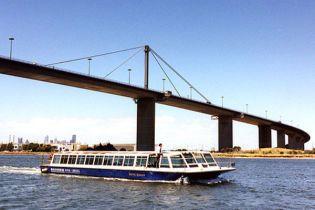 Австралієць зіштовхнув з 58-метрового мосту 4-річну дочку