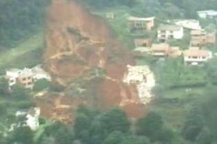 68 тисяч тонн грунту зійшли з гірського схилу в Колумбії (відео)