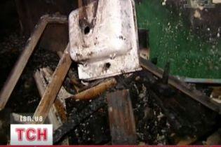 У Києві горіла багатоповерхівка (відео, оновлено)