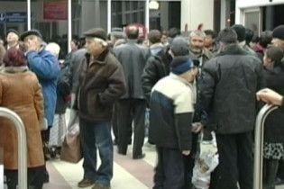 Чехія відправляє додому заробітчан, які втратили роботу