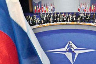 МЗС України буде дружити і з Росією, і з НАТО