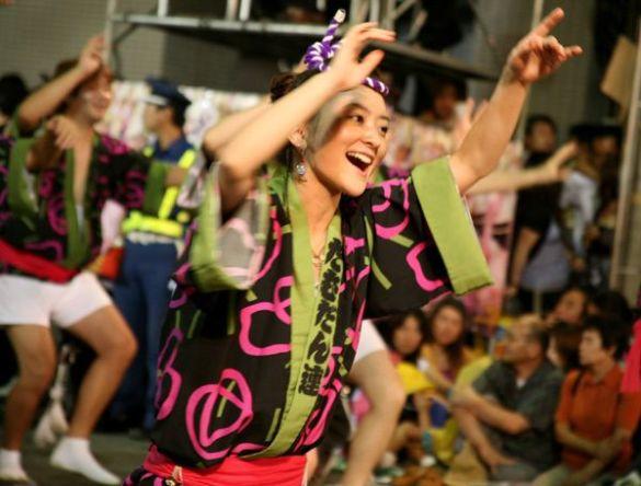 """Фестиваль танцю """"Ава-одорі"""" (Фото: static.flickr.com)"""